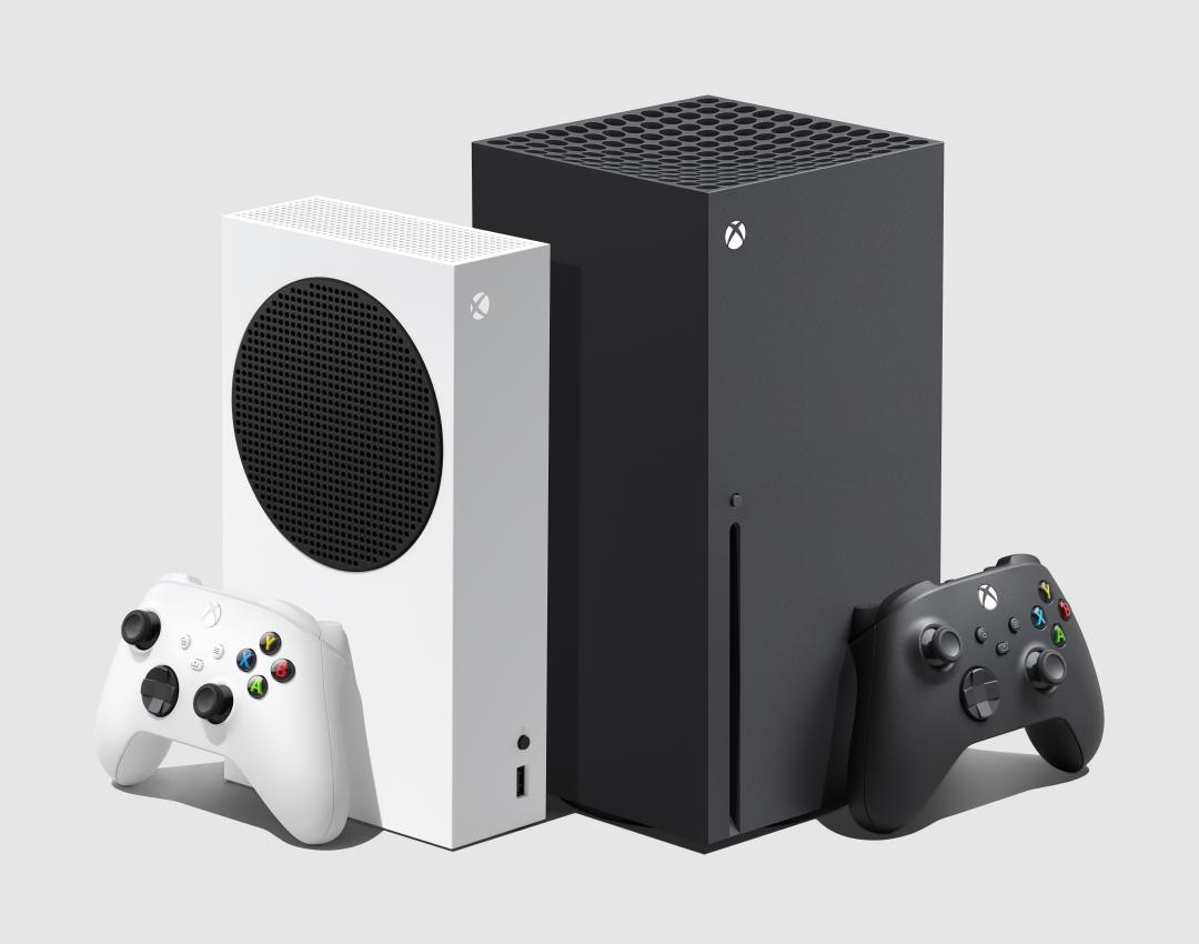 Xbox Series S and X size comparison