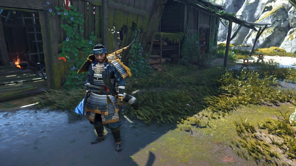 Equip the Cr0oked Kama headband, Gosaku's Armor with the Ocean's Guardian armor dye, and the Sly Tanuki Sword Kit to complete your Sly Cooper look.