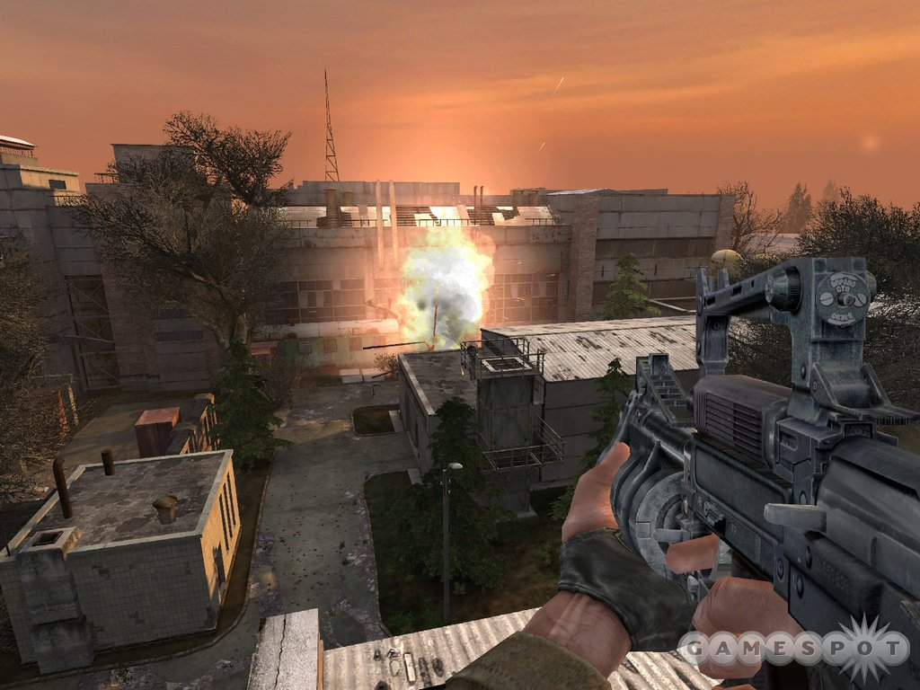 S.T.A.L.K.E.R. features beautiful sunsets, not to mention glorious explosions.