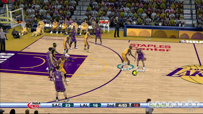 Teams and players in NBA 2K6 play more like they do in real life than they have in previous 2K games.