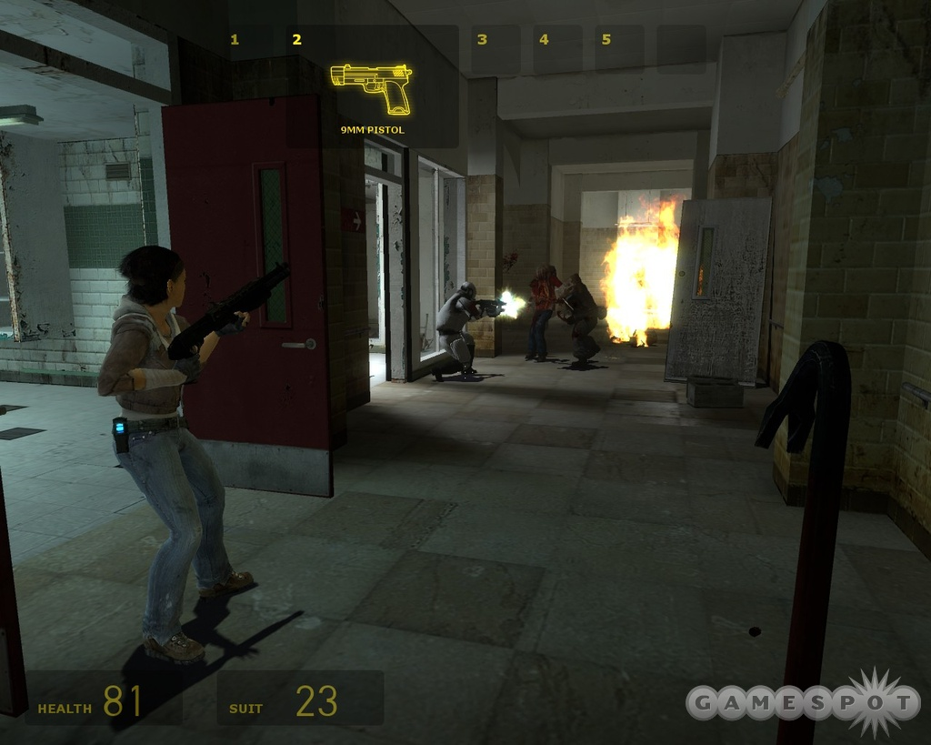 Alyx is by your side all the time now, and this introduces a new team dynamic not seen in Half-Life before.