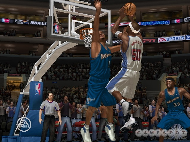 In NBA Live 07, you'll be able to switch your player's role on the fly to take advantage of skilled superstars like Corey Maggette.