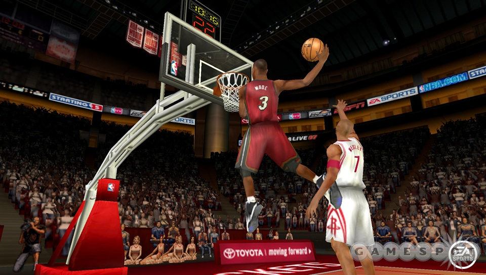 D-Wade is getting set to bring his flashy play to the PSP once again in NBA Live 07.