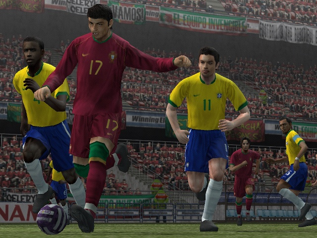 While the game isn't amazing in terms of graphics, certain player likenesses are spot-on.