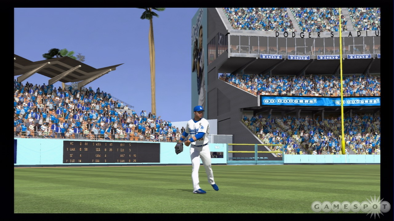 Like an outfielder fielding a lazy fly, MLB 08's gameplay is as smooth as butter.