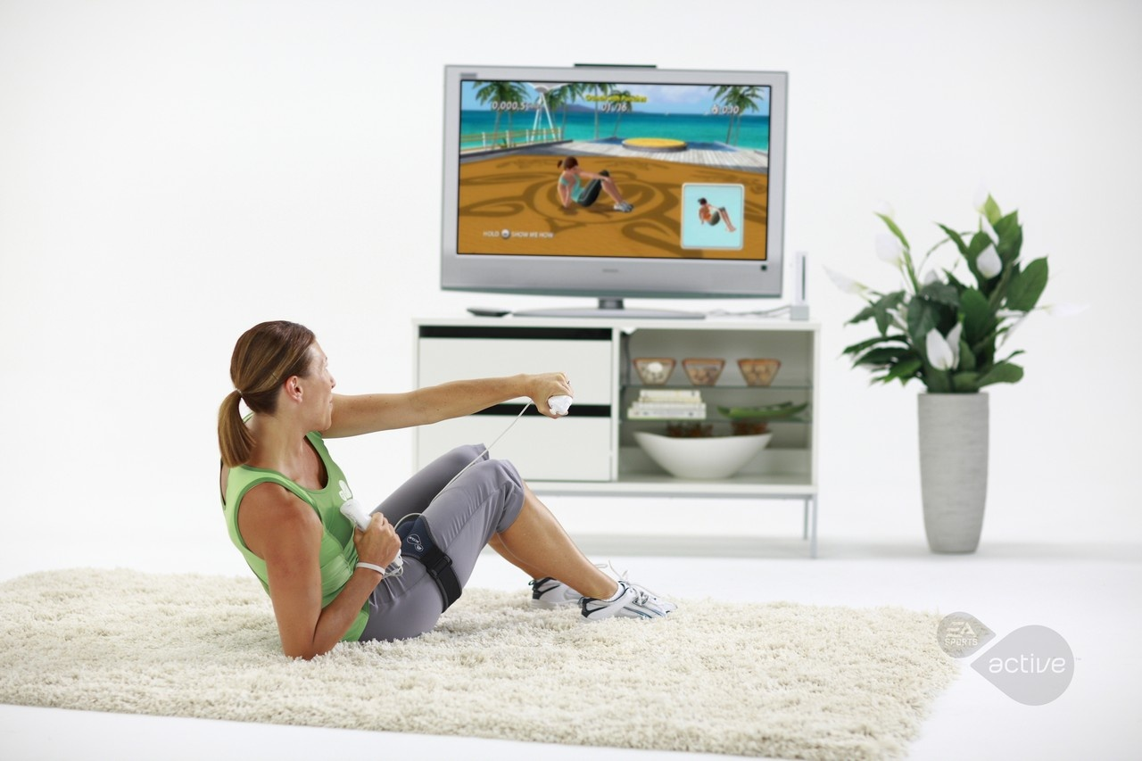 Crunches add an abdominal element that the original EA Sports Active strangely lacked.