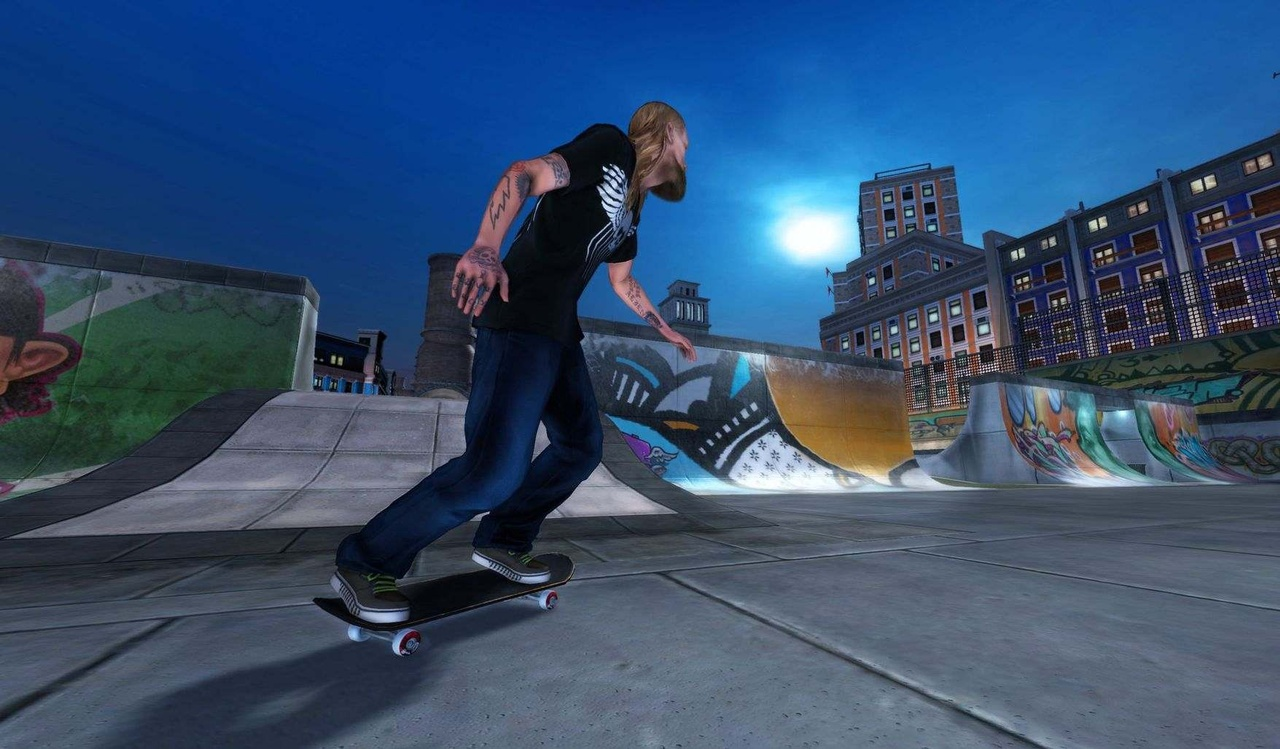 Pro skaters also offer you tips in career mode through live-action videos.