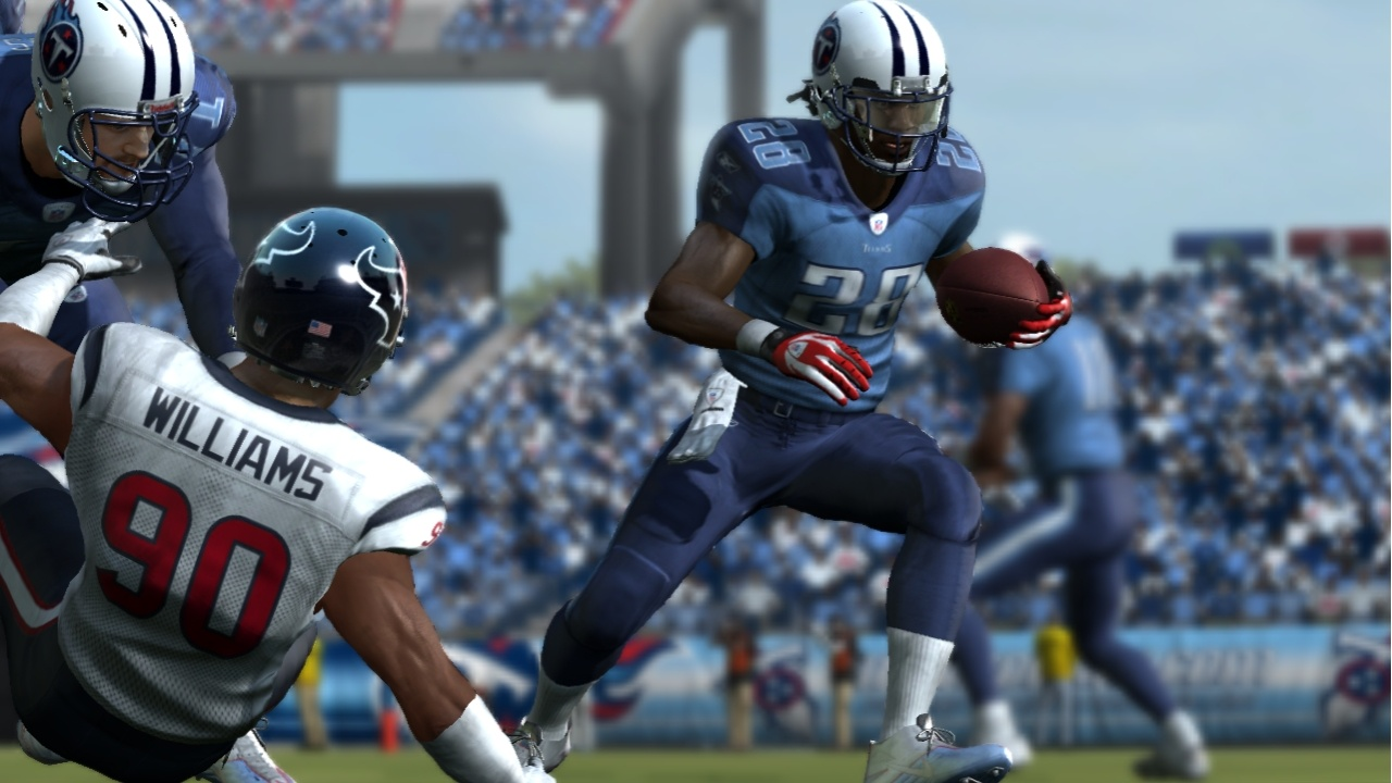Mid-play is where all the action is in Madden 11--and where new play-by-play announcer Gus Johnson will be at his best.