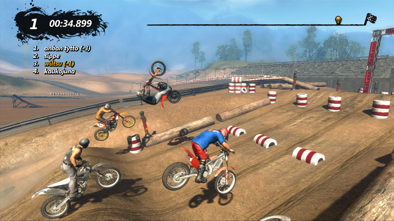 Four-lane, single-screen multiplayer debuts.
