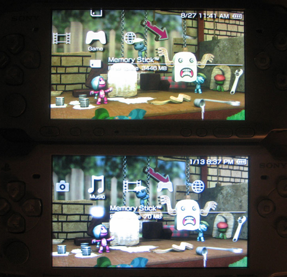 Silver PSP-3000 (top) compared to white PSP-2000 (bottom). Click to see full size.