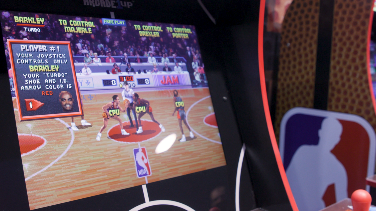 A closer look at the NBA Jam cabinet's screen