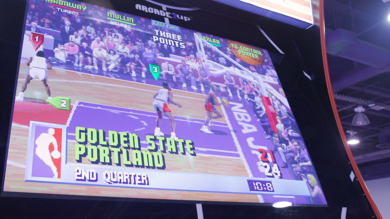 A look at the giant NBA Jam cabinet's screen