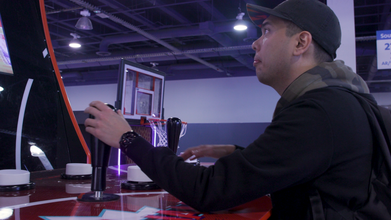 A better look at the giant NBA Jam cabinet's joysticks and buttons