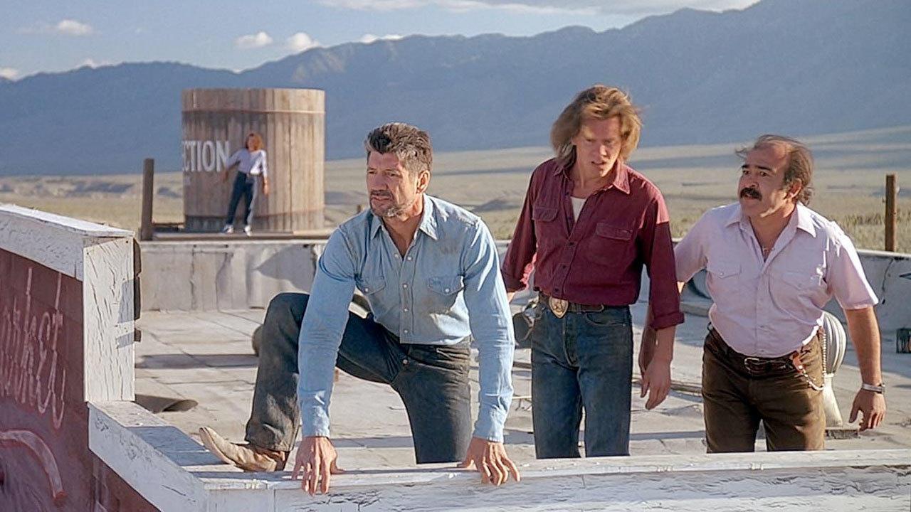 2. Tremors (1990)