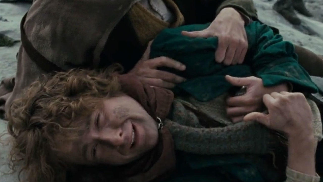 30. The actors had to react to Gandalf's death before they'd seen the character