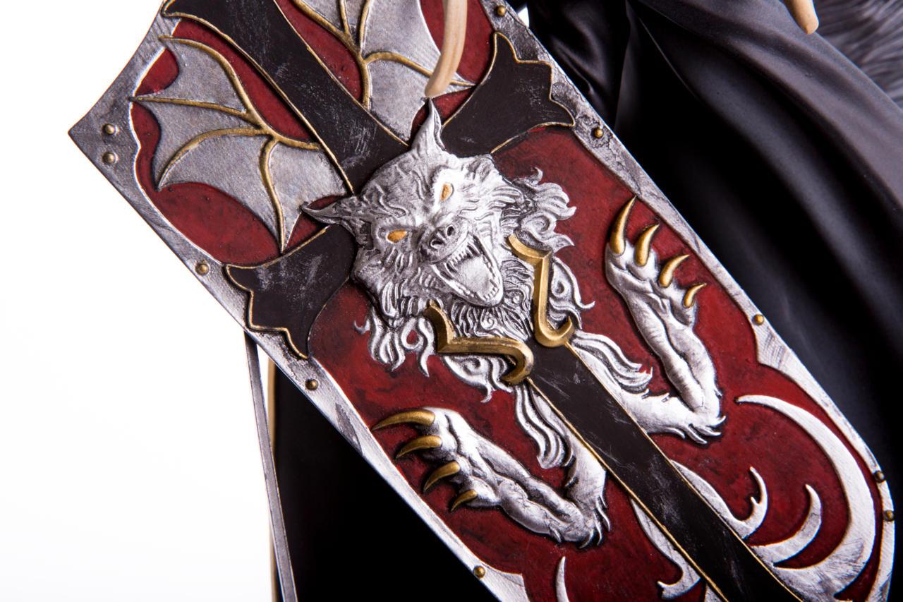 Close-Up On Mondo Exclusive Alucard