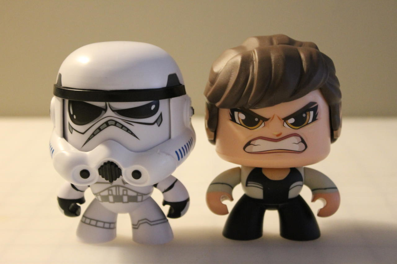 Stormtrooper And Qi'Ra