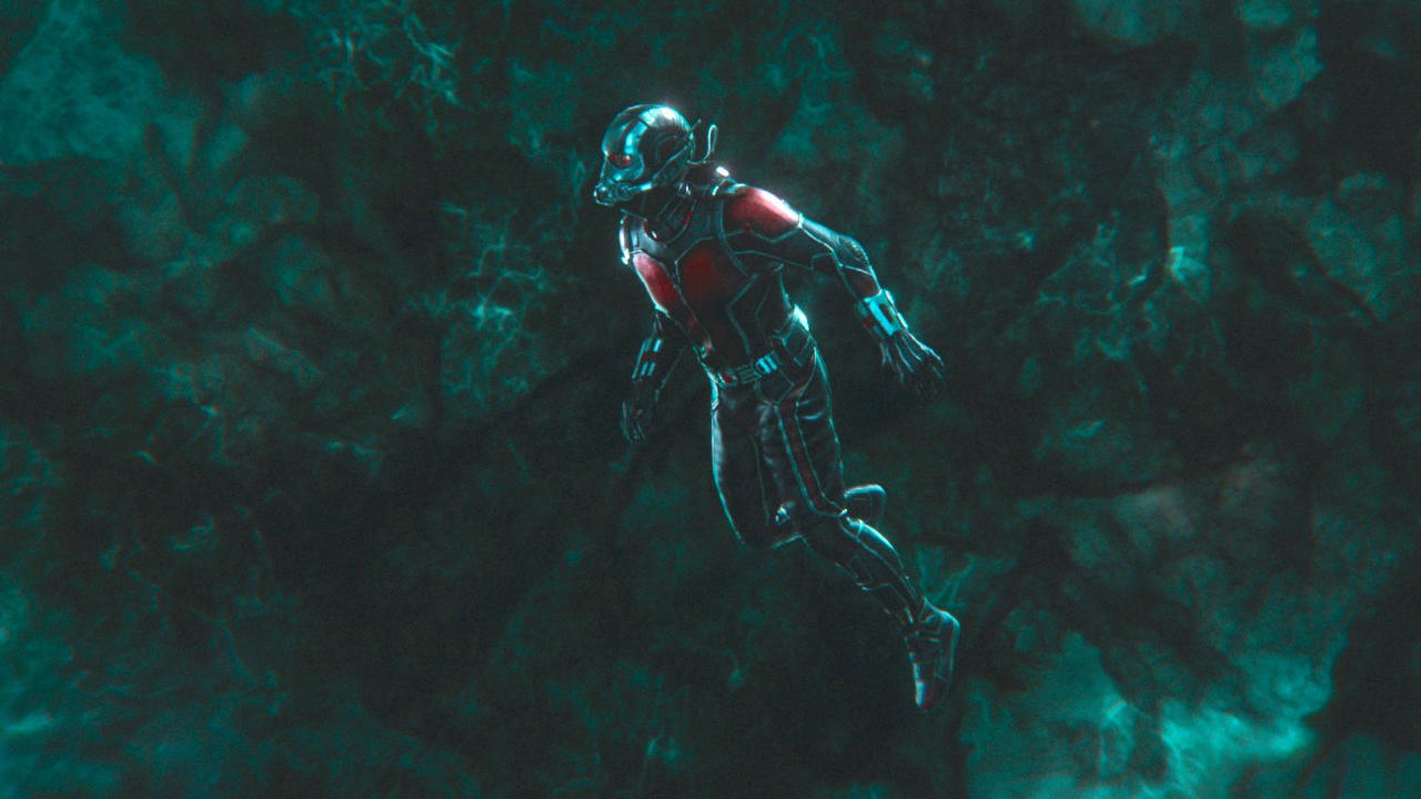 How did 2014 Thanos travel through the Quantum Tunnel without Pym Particles?