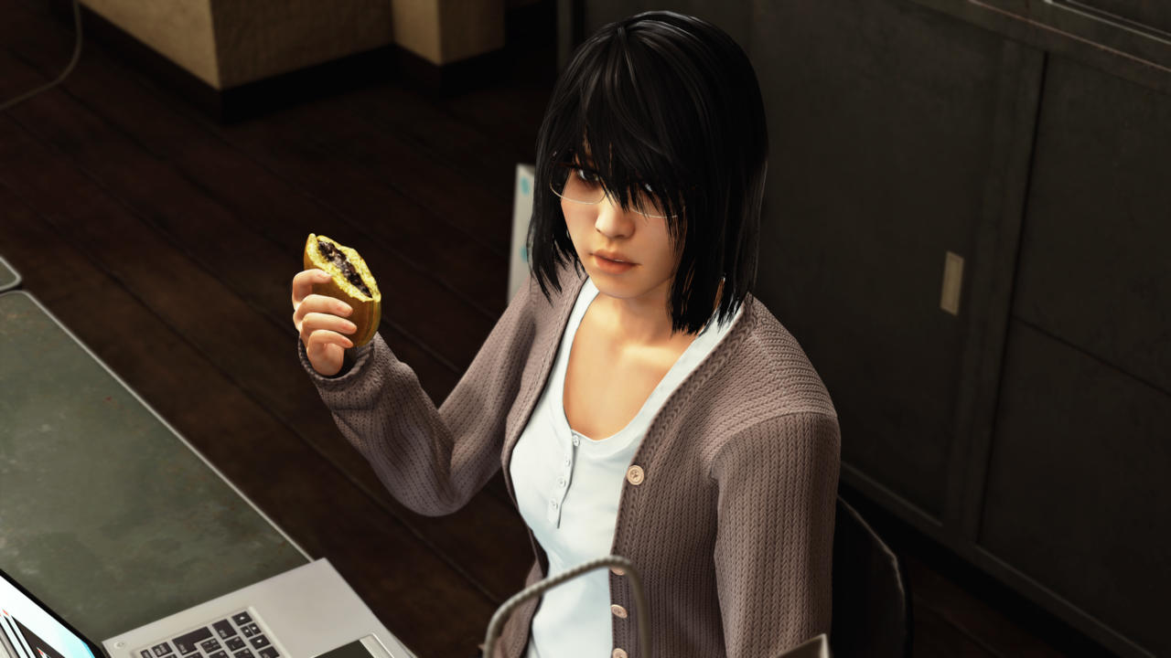 Saori Shirosaki works at Genda Law, and isn't one for words, but will gladly scarf down dorayaki.