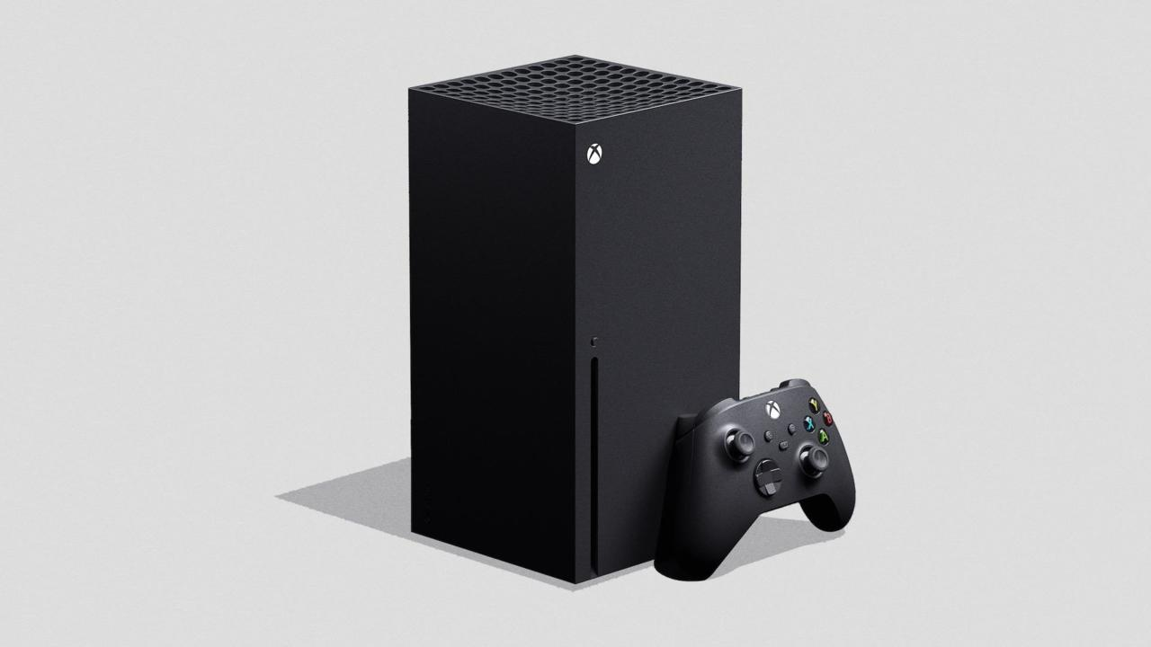 The Xbox Series X and the new controller.