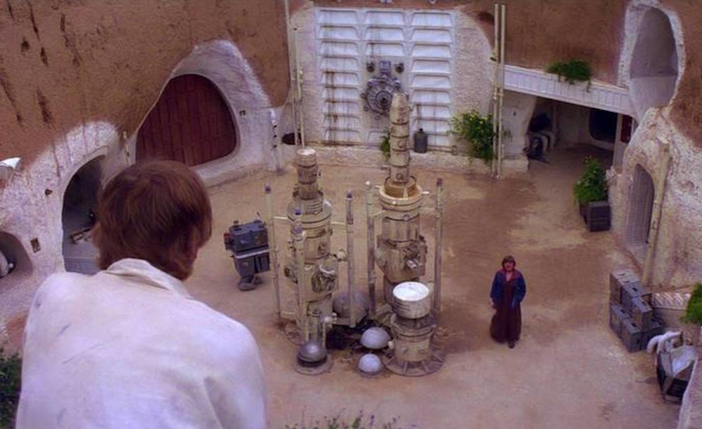 38. Tatooine And The Lars Farm