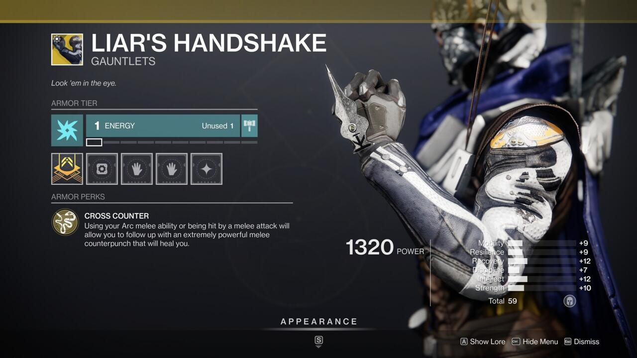 This is a weak Liar's Handshake roll from Xur, but if you need the Exotic, it's still a fun one to play with.