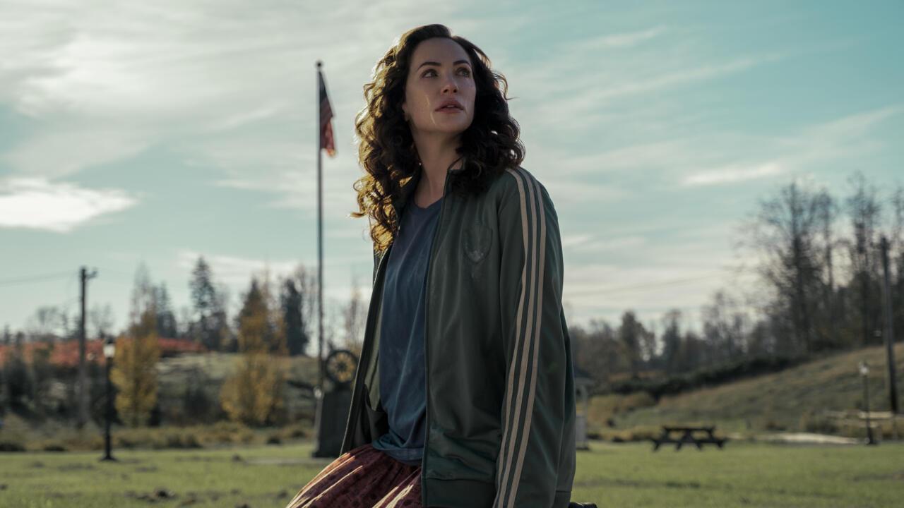 Kate Siegel as Erin Greene