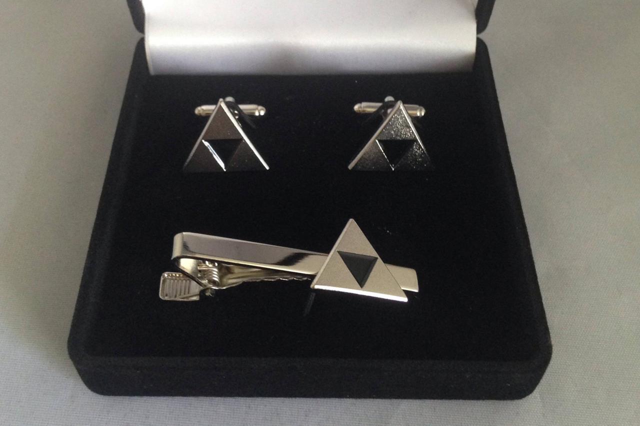 The Legend of Zelda Triforce Cufflinks and Tie Clip