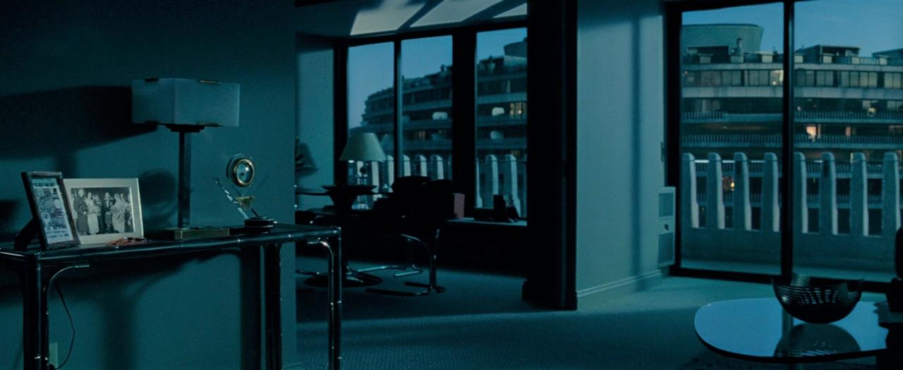 10. Diana's apartment is in the Watergate building