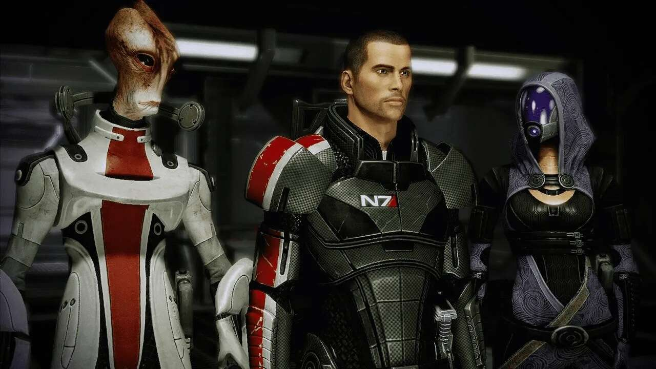 Mass Effect: Legendary Edition First-Timer PSA - Play Either As Full Paragon Or Full Renegade