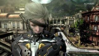 Metal Gear Rising: Revengeance - Suit Overview Trailer